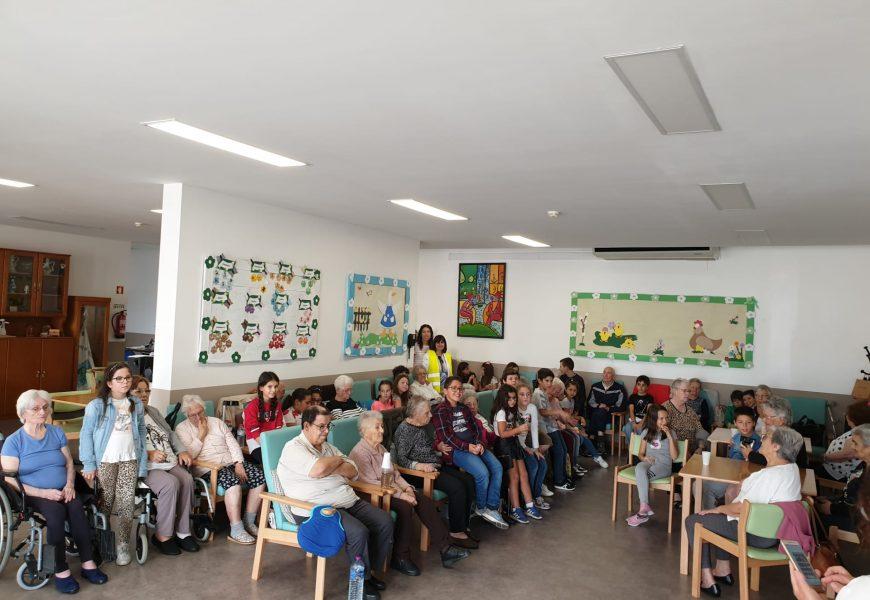 Visita da turma do 4ºAno da Escola Básica de Sendim à Associação de Guifões